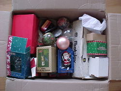 Bef_box_x-mas_ornaments